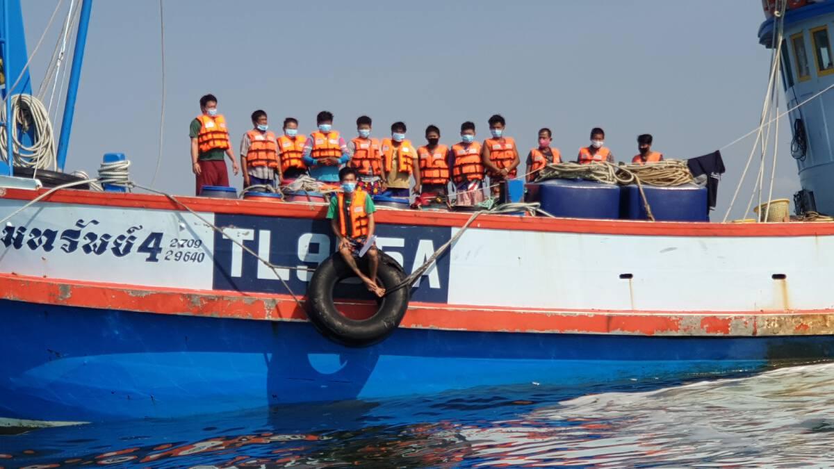 เจ้าของเรือประมงไม่รอรัฐควักเงินซื้อซิโนฟาร์มให้ลูกเรือต่างด้าว 800 คน