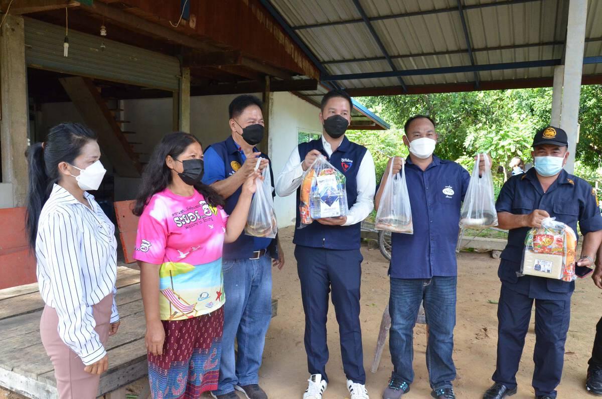 จัดคาราวานซาเล้งแจกถุงยังชีพ-ปลาดุกสดช่วย2หมู่บ้านคลัสเตอร์โควิด