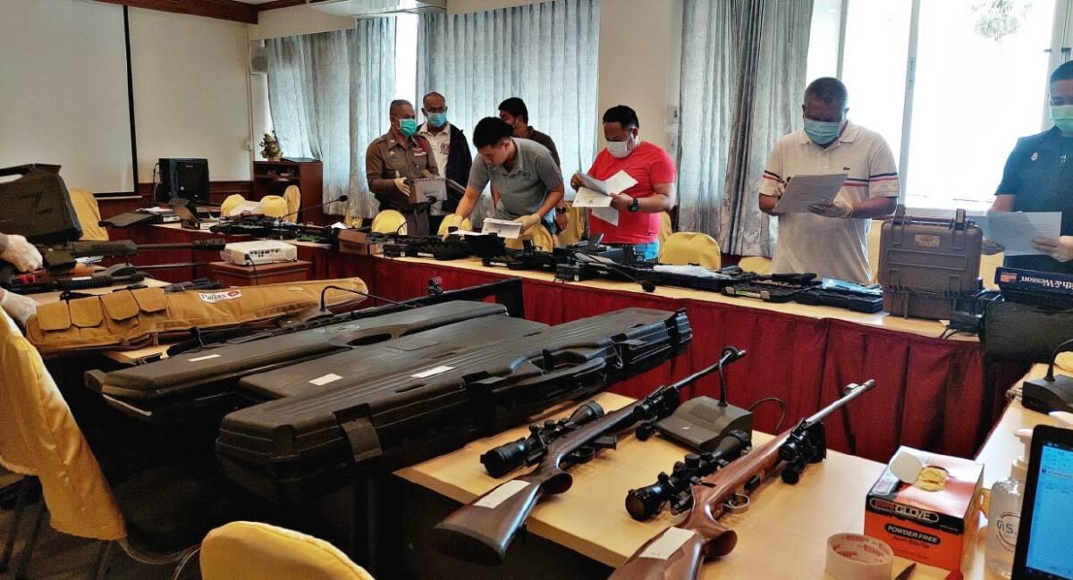 รวบ ผช.ผญบ. พร้อมพวก ลักลอบขายปืนข้ามชาติ พบของกลางอื้อ