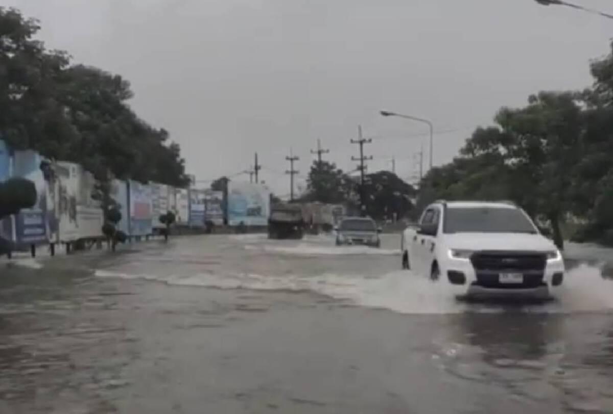 น้ำทะลักท่วมเทศบาลเมืองวังสะพุง ร้านค้าเก็บสิ่งของหนีน้ำ