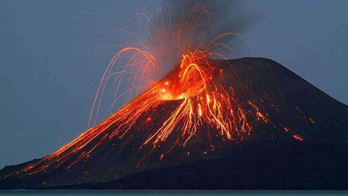 การปะทุของภูเขาไฟ Stromboli ในอิตาลี