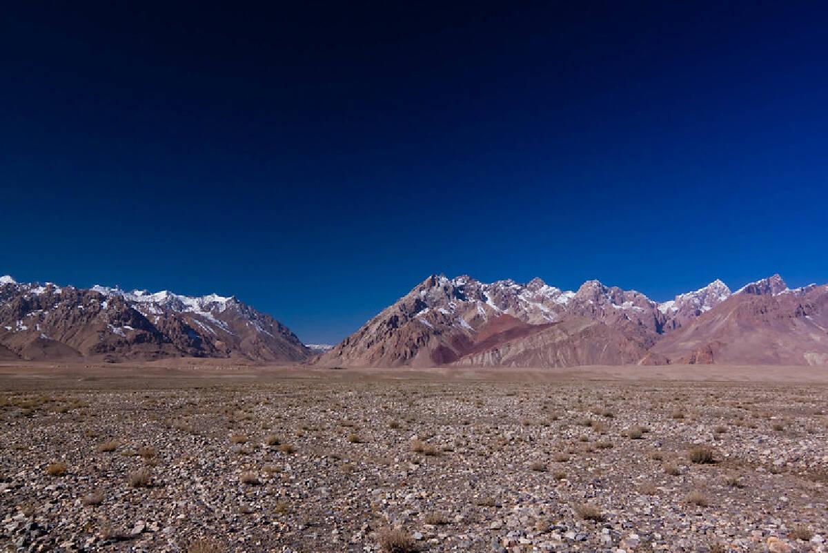 ช่องทางเดียวในพื้นที่ฉนวนวาคานที่สามารถเดินทางจากจีนมาอัฟกานิสถานได้ เรียกว่า Wakhjir Pass