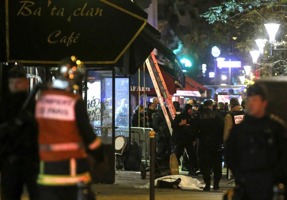 ศาลเปิดไต่สวนคดีระเบิด-กราดยิงปารีสดับ 130 ราย