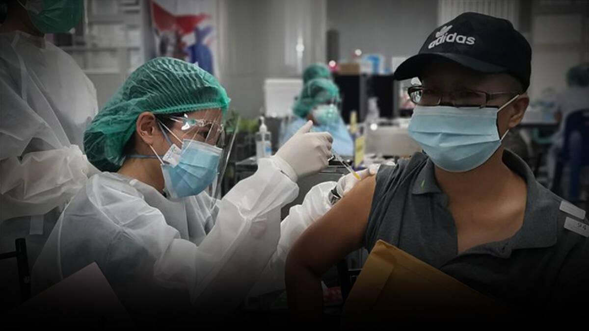 """""""อนุทิน"""" จ่อปรับแผนฉีดวัคซีนกระตุ้นเข็ม 3 ให้ปชช.ได้ทันที"""