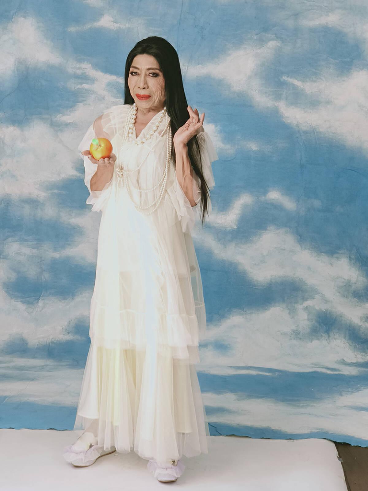 """""""สิตางศุ์ """" ขอฟาด บางวัดมีคนที่ไม่สมควรจะใส่ผ้าเหลือง เผยอยากเปลี่ยนศาสนา"""
