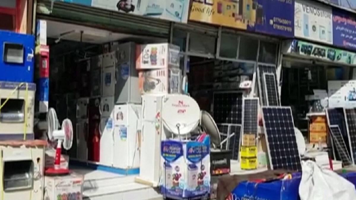 คนอัฟกันแห่ซื้อจานดาวเทียม หลังทีวียุคตาลีบันไม่บันเทิง