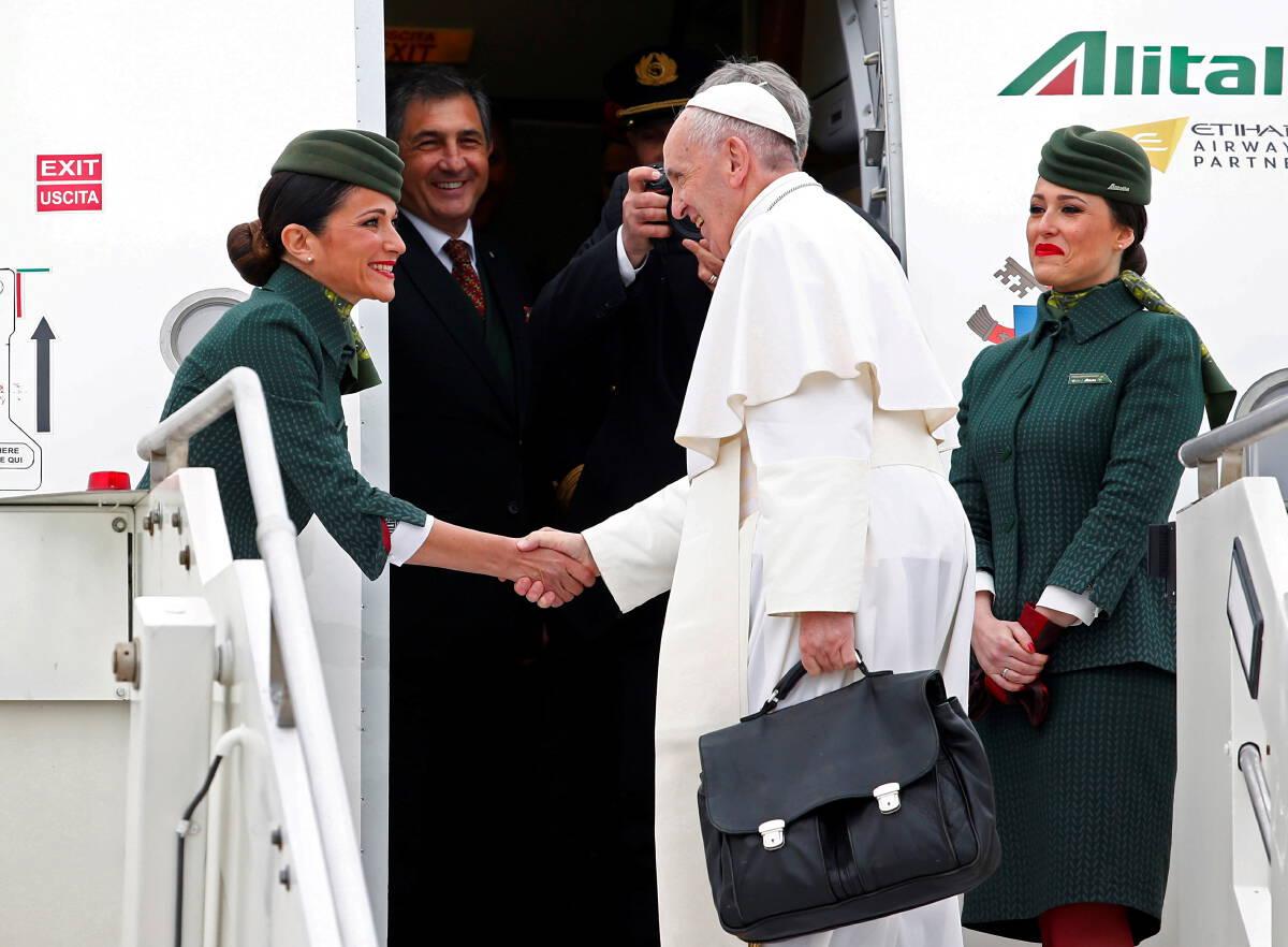 """ปิดฉาก 74 ปี """"อลิตาเลีย"""" สายการบินแห่งชาติของอิตาลี"""