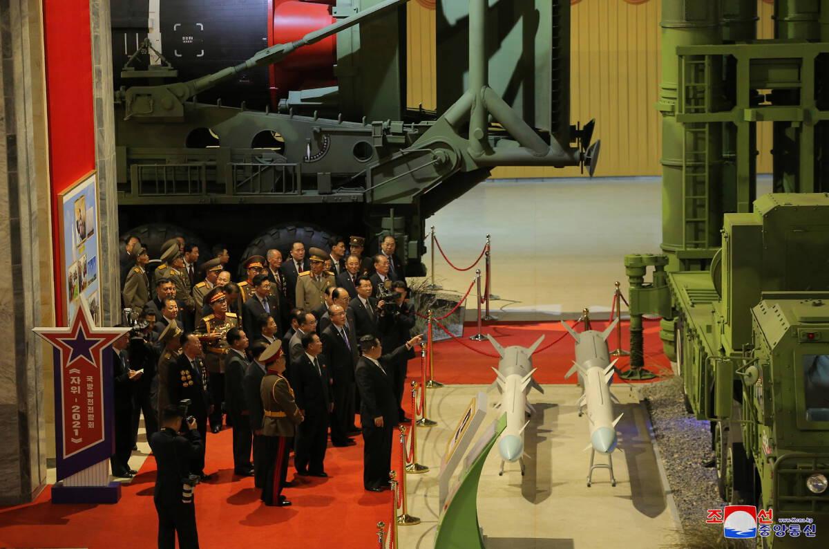 เกาหลีเหนือเปิดนิทรรศการอาวุธ ย้ำเสริมแสนยานุภาพต่อกรสหรัฐฯ