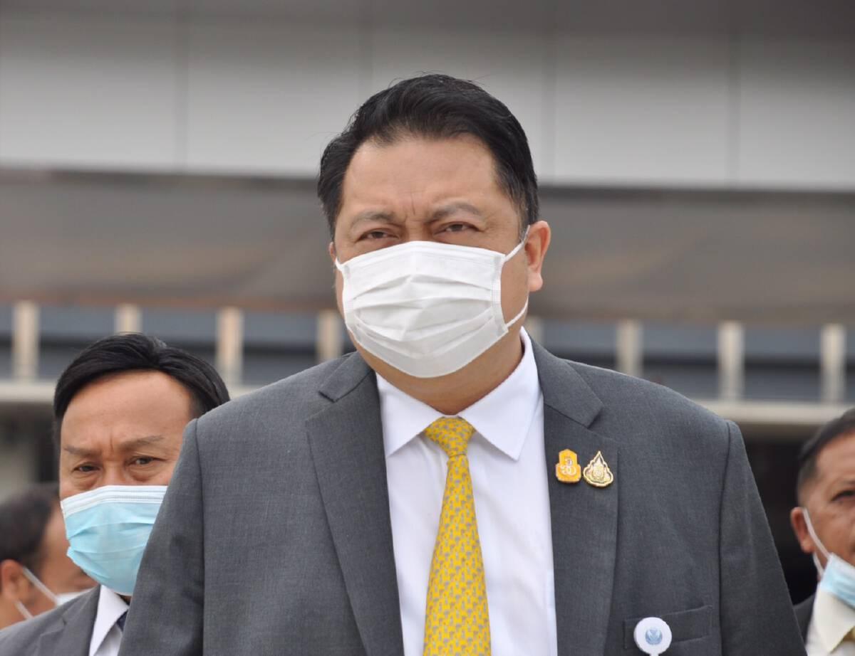 สุชาติ ชมกลิ่น รัฐมนตรีว่าการกระทรวงแรงงาน