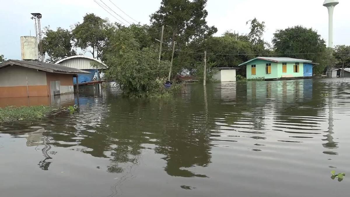 พื้นที่แก้มลิงอ่วมน้ำท่วมสูง ไม่ต่างจากพื้นที่นอกคันกั้นน้ำ