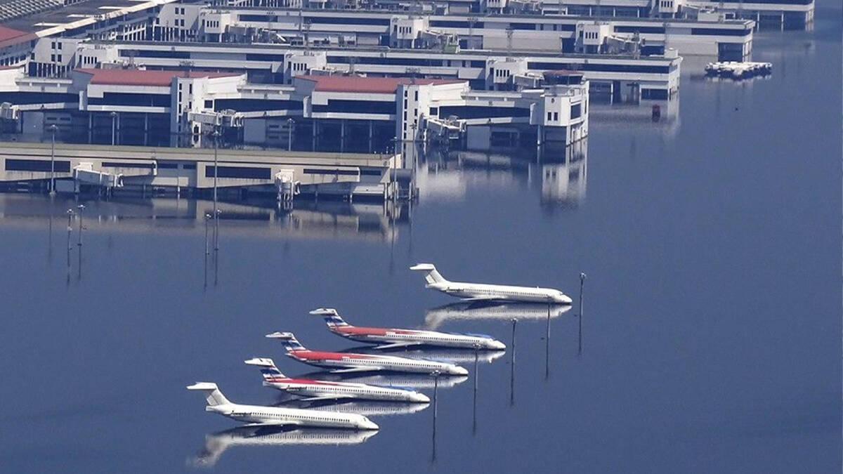 น้ำท่วมใหญ่ปี 54 ปริมาณน้ำปกคลุมทั่วสนามบินดอนเมืองและกรุงเทพมหานคร