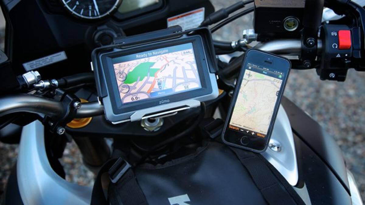 (ในโลกของเทคโนโลยี คลื่นลูกหลังคือผู้ชนะ เหมือนที่สมาร์ทโฟนเกิดมาเพื่อฆ่าอุปกรณ์ GPS : ภาพจาก Expedition Portal)